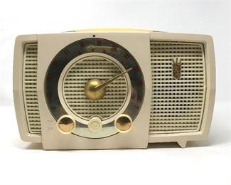 Vintage Zenith Model 721 Radio https://ctbids.com/#!/description/share/164853
