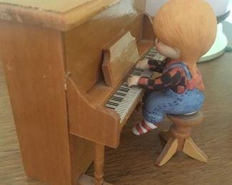 ENESCO piano player