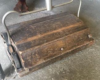 Antique sweeper vacuum
