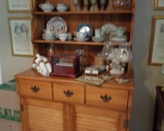 open face china hutch