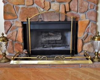 VINTAGE BRASS FIREPLACE FENDER AND SCREEN