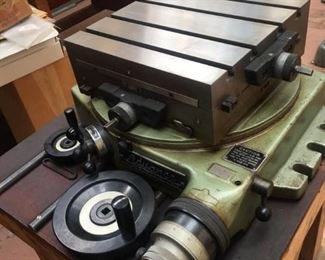 Advance Rotary Cross Slide Table in beautiful condition. WORKS PERFECTLY.