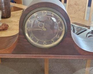 Vented South Thomas mantel clock