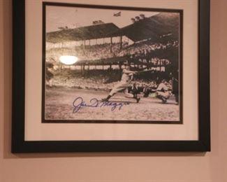 Joe Dimaggio signed photo