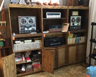 Recording stereo - Turntable - 3 cabinets priced separetly.