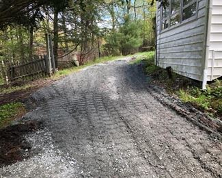 Gravel driveway to house