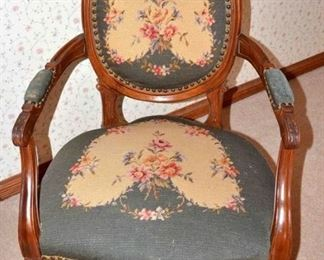 FLORAL UPHOLSTERED VICTORIAN PARLOR CHAIR