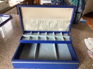 Avon Moonwind Jewelry Box interior