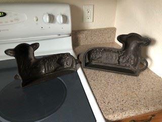 Cast Iron Lamb Cake Mold interior