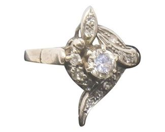 15. Vintage Womens Platinum Cocktail Ring wDiamonds