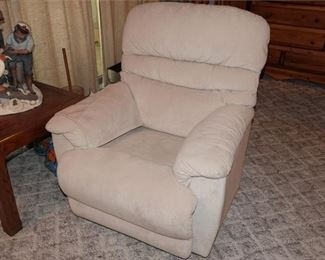 83. Easy Chair Recliner