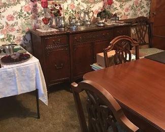 Flash glass, Dining room set in mahogany wood