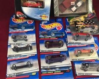Large Lot of Hot Wheels Cars
