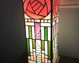 Macintosh style lamp
