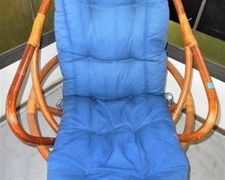 Swivel Rocking Rattan Chair https://ctbids.com/#!/description/share/166471