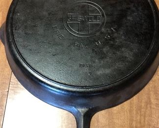 Rare #14 Griswold in great condition!