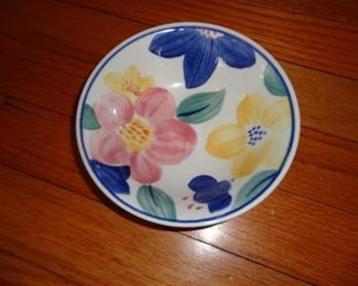 JOHNSON BROTHERS STAFFORDSHIRE MADE IN ENGLAND FLOWER CHINA SET