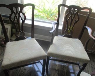 Set EIGHT Chippendale style dining chairs. Fine condition. They need to be re-upholstered.