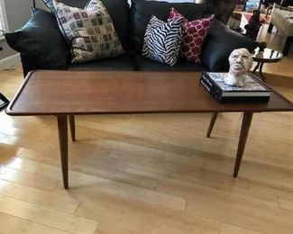 MID CENTURY DANISH TEAK COFFEE TABLE BY HANS WEGNER