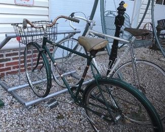 Many Vintage Bicycles