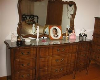 dresser with mirror   BUY IT NOW  $ 185.00