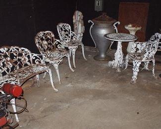 Iron furniture, Urn