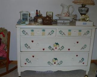 PAINED CHEST  CUTE FOR  A GIRLS ROOM