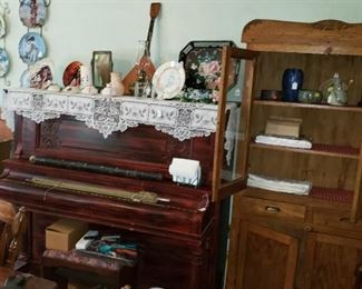 Pie safe, Upright piano