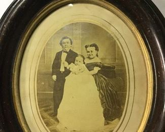 Tom Thumb, wife, & child cabinet card in antique frame