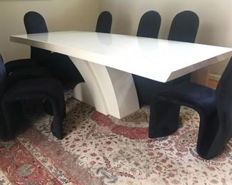 Modern Dining Room Table & Chairs