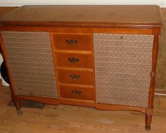Mid century RCA Victor am/fm record player console