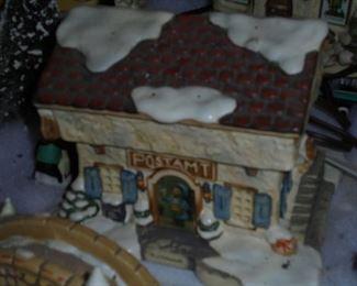 Christmas Mall  1695-A  hummel  Limited