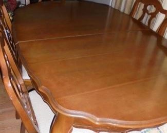 Maple dining table w/6 matching chairs