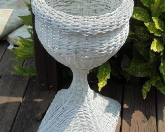 2 1/2 ft tall wicker plant stand