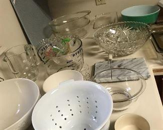 assorted kitchen wares
