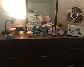 vintage Bassett Furniture Industries dresser with mirror
