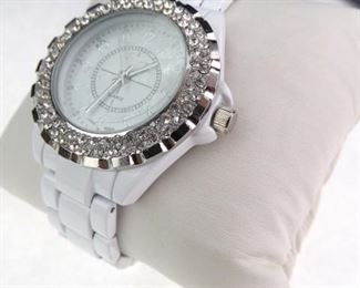 Women s Geneva Watch RUNS