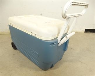 BlueWhite Igloo Cooler w Wheels