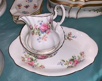 Signed porcelain set-3 pieces