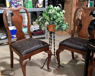 Set of 6 slat back chairs-feet need gluing, we have the pieces