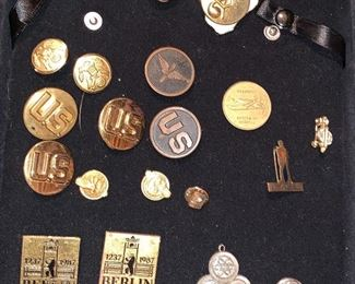 WW11 buttons and pins