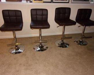 4 Adjustable hydraulic bar stools