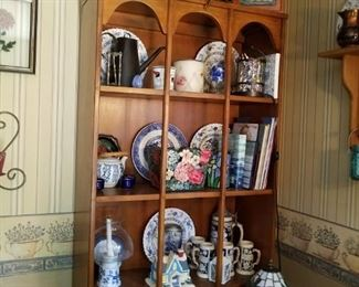 Very nice Display cabinet or great for books