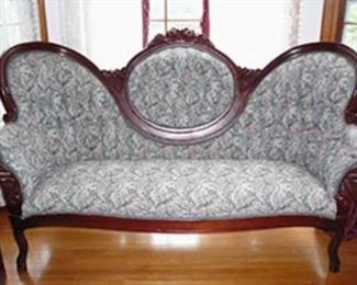 Victorian Couch - Excellent Condition