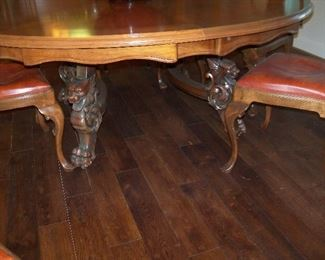 detail of table base