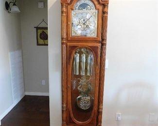 Howard Miller Clayton Anniversary clock, model 610-950. Flawless.