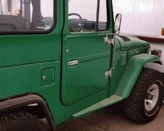 For sale - 1982 Toyota Land Cruiser. 48,000km. Steering wheel is on the right side. Excellent condition. No AC (it came from north Carolina so they didn't need an AC). No title, but title can be filed for. Will issue a bill of sale. Asking $27,000.00