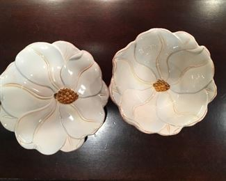 Magnolia Charm bowl and snack plate