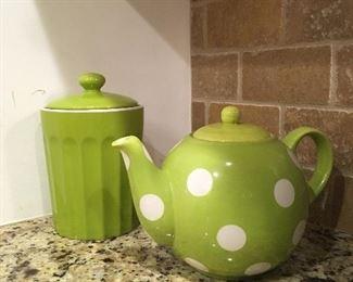 Tag tea pot and tea canister