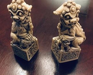 Foo Dog figurines (small)